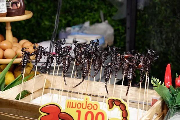 Vẫn biết đi chơi là chính, ăn là chủ yếu nhưng hãy cẩn thận với mấy món ăn kinh dị có thể gây chết người này ở Thái Lan - Ảnh 7.