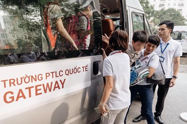 Nóng: Khởi tố cô giáo chủ nhiệm vụ bé lớp 1 trường Gateway tử vong trên xe đưa đón - Ảnh 2.