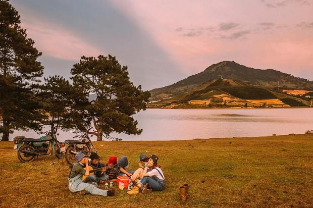 Rủ crush lên Đà Lạt cắm trại qua đêm trên đỉnh đồi, trải nghiệm hoàn toàn xứng đáng mà tuổi trẻ nhất định phải thử! - Ảnh 1.