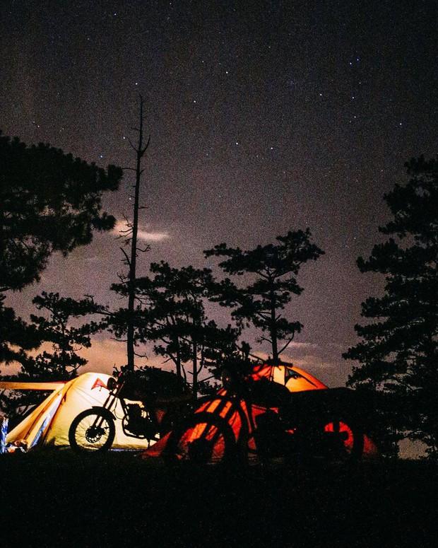 Rủ crush lên Đà Lạt cắm trại qua đêm trên đỉnh đồi, trải nghiệm hoàn toàn xứng đáng mà tuổi trẻ nhất định phải thử! - Ảnh 3.