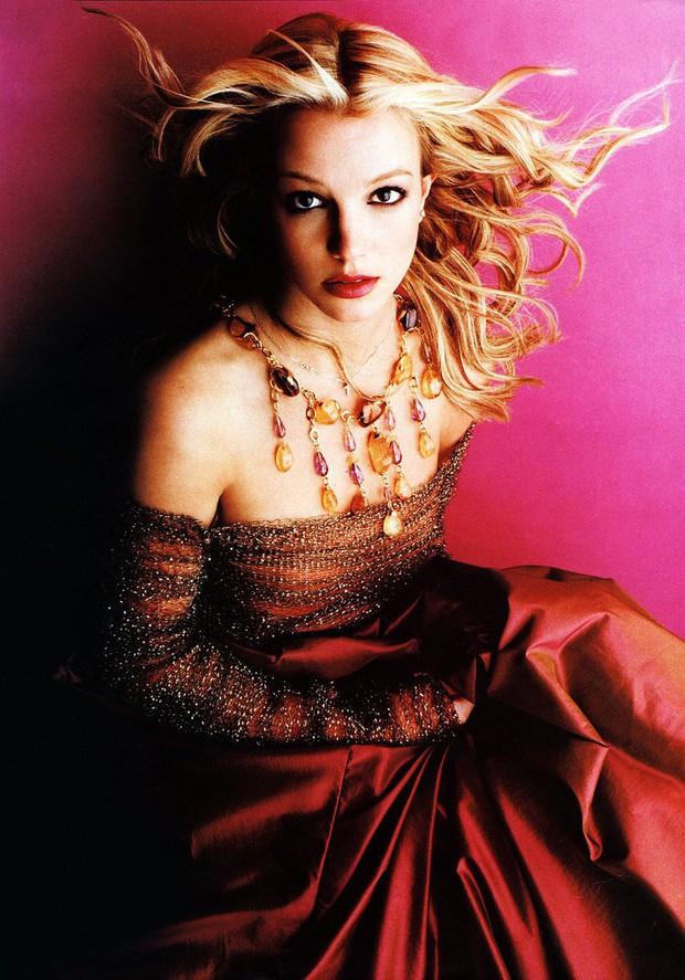 Nếu Britney vượt qua được năm 2007, bạn có thể vượt qua được ngày hôm nay nhưng Sulli đã không có được may mắn ấy! - Ảnh 2.