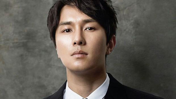 Sau vụ Sulli tự tử, cựu nghệ sĩ SM lên tiếng chỉ trích gay gắt các công ty giải trí về vấn nạn trầm cảm của sao Kbiz - Ảnh 3.