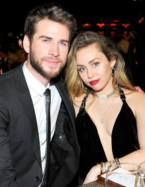 Tiết lộ lý do vì sao Liam Hemsworth quyết định ly hôn dù vẫn còn yêu Miley Cyrus sau cuôc tình dài tới 10 năm - Ảnh 2.