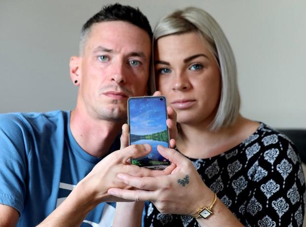 Lý giải hiện tượng điện thoại ma khiến 2 vợ chồng tá hỏa, người lạ cứ chạm tay là tự mở khóa - Ảnh 2.