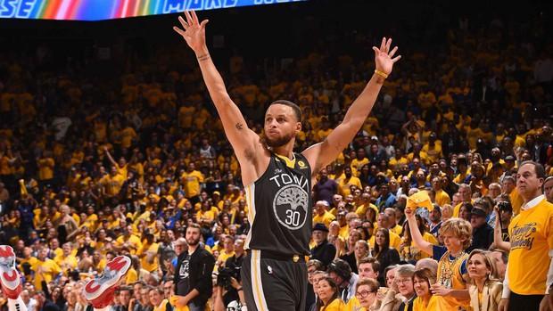 Siêu sao 31 tuổi phá kỷ lục tiền lương tại NBA, cứ mỗi giây là có ngay gần 30 triệu VNĐ - Ảnh 3.