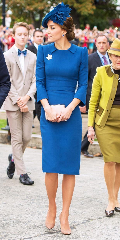 Kate Middleton gợi nhớ đến Công nương Diana khi diện mẫu đầm truyền thống của Pakistan - Ảnh 9.