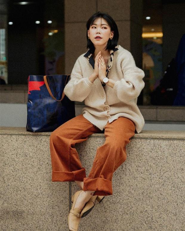 Tham khảo ngay 12 set đồ đón gió mùa về từ các quý cô Châu Á - Ảnh 9.