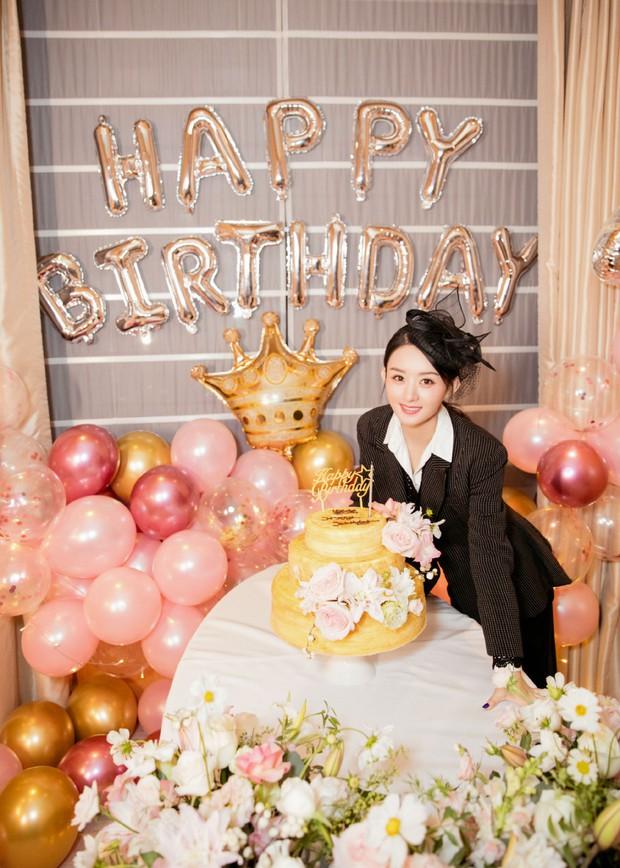 Triệu Lệ Dĩnh đón sinh nhật tuổi 32, Phùng Thiệu Phong hoàn toàn vắng mặt mà chỉ có 1 hành động duy nhất - Ảnh 5.