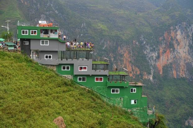 Một format hai số phận: cùng xây dựng trên núi như Mã Pì Lèng, Sa Pa, Tam Đảo nhưng nơi này của Ý lại là điểm check-in hàng đầu thế giới - Ảnh 1.