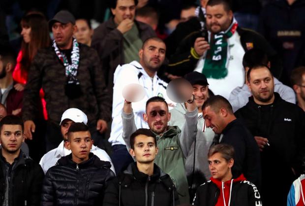 Chủ tịch LĐBĐ Bulgaria cay đắng từ chức sau chuỗi scandal đáng xấu hổ của CĐV nhắm vào tuyển Anh - Ảnh 1.