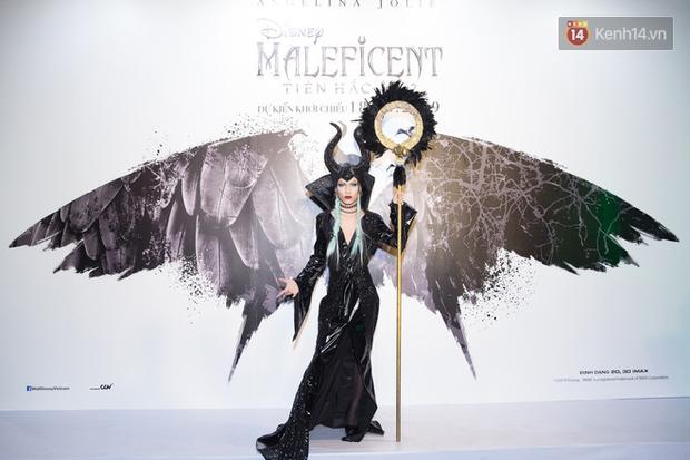 Thuỳ Dương cầm đầu đội quân mọc sừng, trai đẹp Lãnh Thanh cũng phải lép vế ở thảm đỏ Maleficent 2 - Ảnh 6.