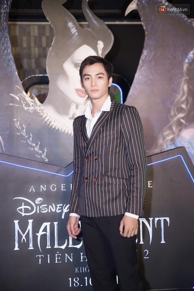 Thuỳ Dương cầm đầu đội quân mọc sừng, trai đẹp Lãnh Thanh cũng phải lép vế ở thảm đỏ Maleficent 2 - Ảnh 1.