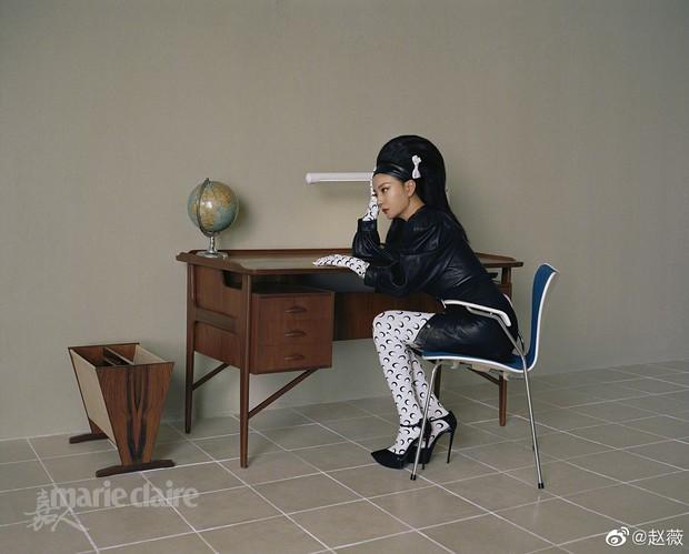 Hình ảnh gây sốt Weibo: Triệu Vy của 21 năm trước và bây giờ vẫn chẳng thay đổi, bảo sao Huỳnh Hiểu Minh ngày ấy say mê - Ảnh 11.