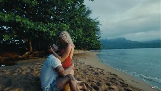 Katy Perry ra mắt MV mới Harleys In Hawaii như để kéo dài sự flop của bản thân: Đẹp, và chỉ có thế thôi! - Ảnh 6.