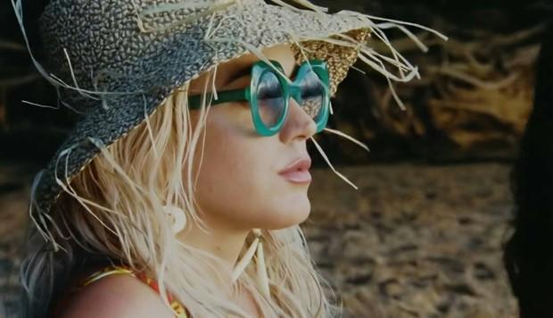 Katy Perry ra mắt MV mới Harleys In Hawaii như để kéo dài sự flop của bản thân: Đẹp, và chỉ có thế thôi! - Ảnh 3.