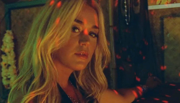 Katy Perry ra mắt MV mới Harleys In Hawaii như để kéo dài sự flop của bản thân: Đẹp, và chỉ có thế thôi! - Ảnh 5.