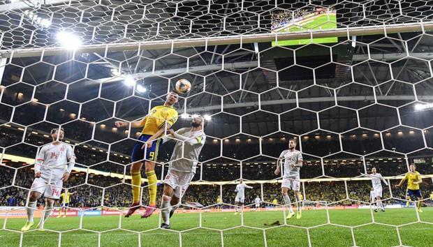Nhờ khoảnh khắc tỏa sáng này ở phút bù giờ, tuyển Tây Ban Nha thoát thua và chính thức có mặt ở VCK Euro 2020 nhưng fan MU lại lo ngay ngáy - Ảnh 3.