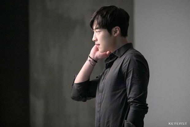 Nam thần đẹp lạ đang lên Woo Do Hwan: Có tài không ngại thử thách, được kì vọng sẽ là thế hệ diễn viên hạng A tương lai - Ảnh 1.