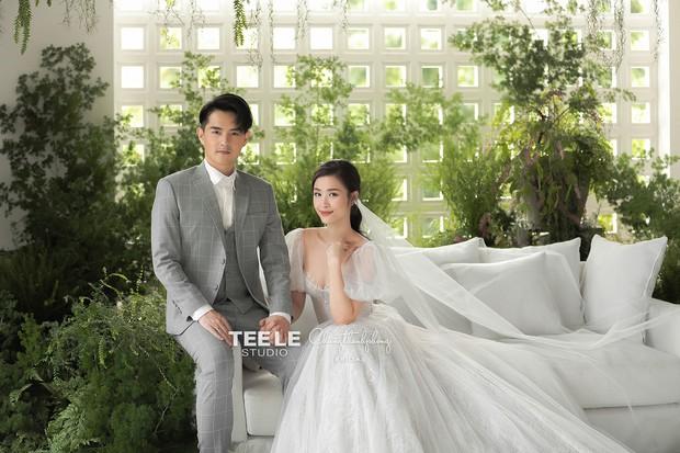 HOT: Đông Nhi - Ông Cao Thắng tung trọn bộ ảnh cưới đẹp long lanh trước ngày chính thức về chung một nhà - Ảnh 4.