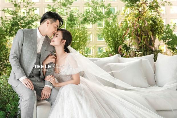HOT: Đông Nhi - Ông Cao Thắng tung trọn bộ ảnh cưới đẹp long lanh trước ngày chính thức về chung một nhà - Ảnh 3.