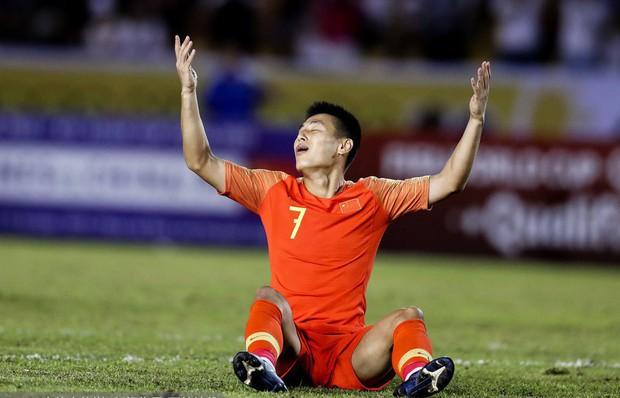 Sau trận đấu đáng quên của đội nhà, báo hàng đầu Trung Quốc phải thừa nhận trong cay đắng: Tuyển Việt Nam mạnh hơn chúng ta thật rồi - Ảnh 1.