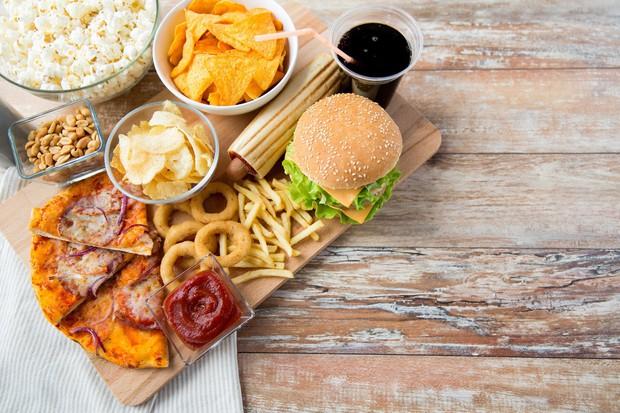 Thói quen kén ăn, chế độ ăn uống nghèo nàn có thể dẫn đến suy giảm thị lực nghiêm trọng cả hai mắt - Ảnh 2.