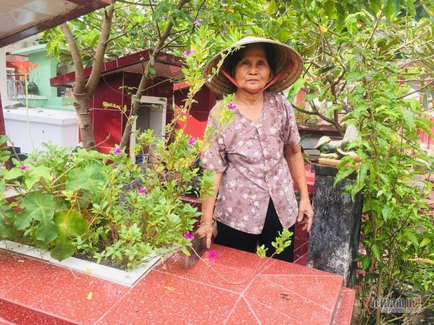 Cụ bà 50 năm sống ở nghĩa trang Sài Gòn, chứng kiến nhiều cảnh lạ - Ảnh 1.