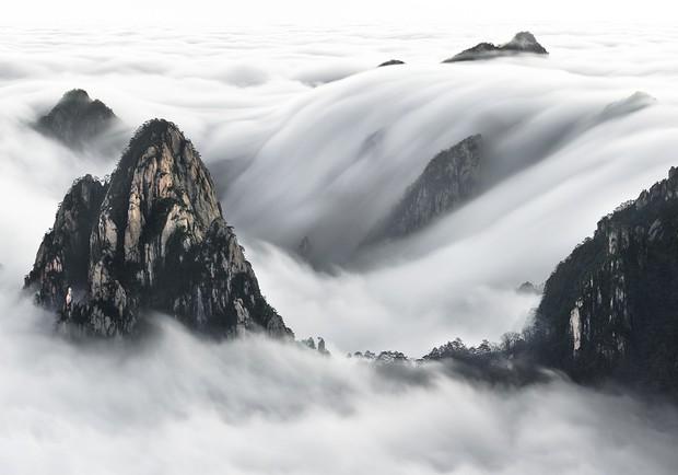 Khả Ngân chụp ảnh biển mây xịn lắm, nhưng sẽ đẹp gấp bội nếu biết một mẹo thần thánh của dân chuyên - Ảnh 4.