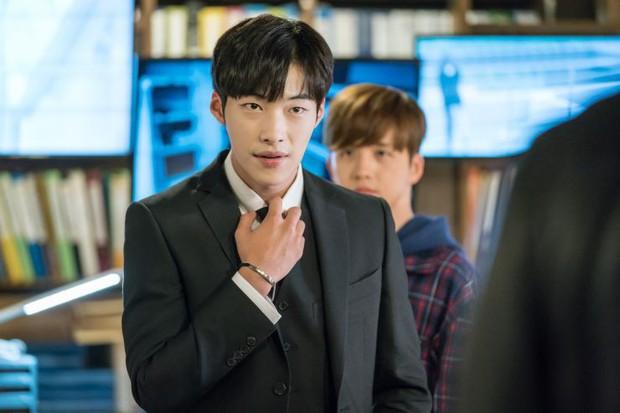 Nam thần đẹp lạ đang lên Woo Do Hwan: Có tài không ngại thử thách, được kì vọng sẽ là thế hệ diễn viên hạng A tương lai - Ảnh 7.