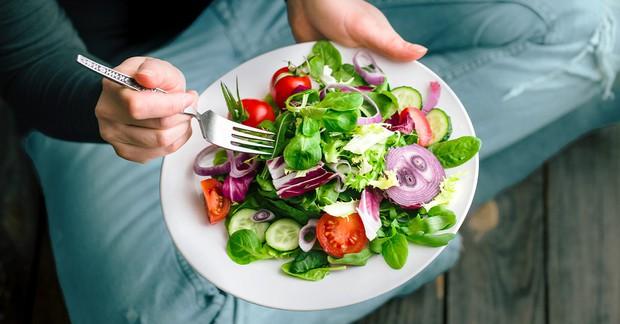 Luôn mệt mỏi, uể oải có thể là dấu hiệu cho thấy bạn đang thiếu trầm trọng chất dinh dưỡng này - Ảnh 3.