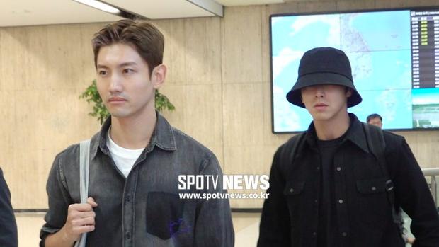 Độc quyền tang lễ Sulli từ Hàn: Fan khiếm thị một mình đến chờ, Yoo Ah In tiết lộ sao Hàn đã đến viếng từ rạng sáng - Ảnh 2.
