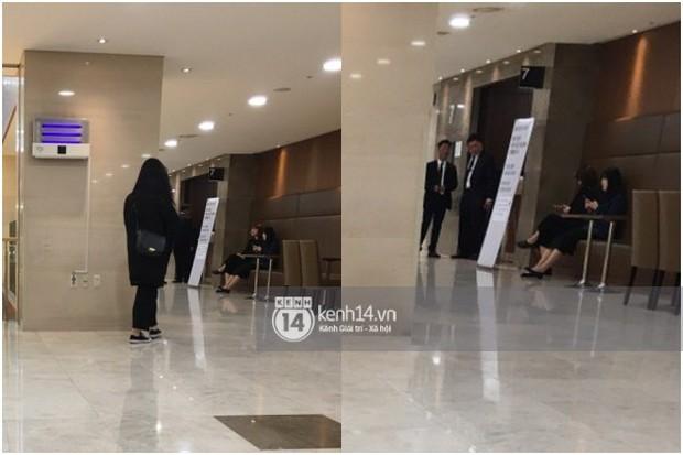 Độc quyền tang lễ Sulli từ Hàn: Fan khiếm thị một mình đến chờ, Yoo Ah In tiết lộ sao Hàn đã đến viếng từ rạng sáng - Ảnh 23.