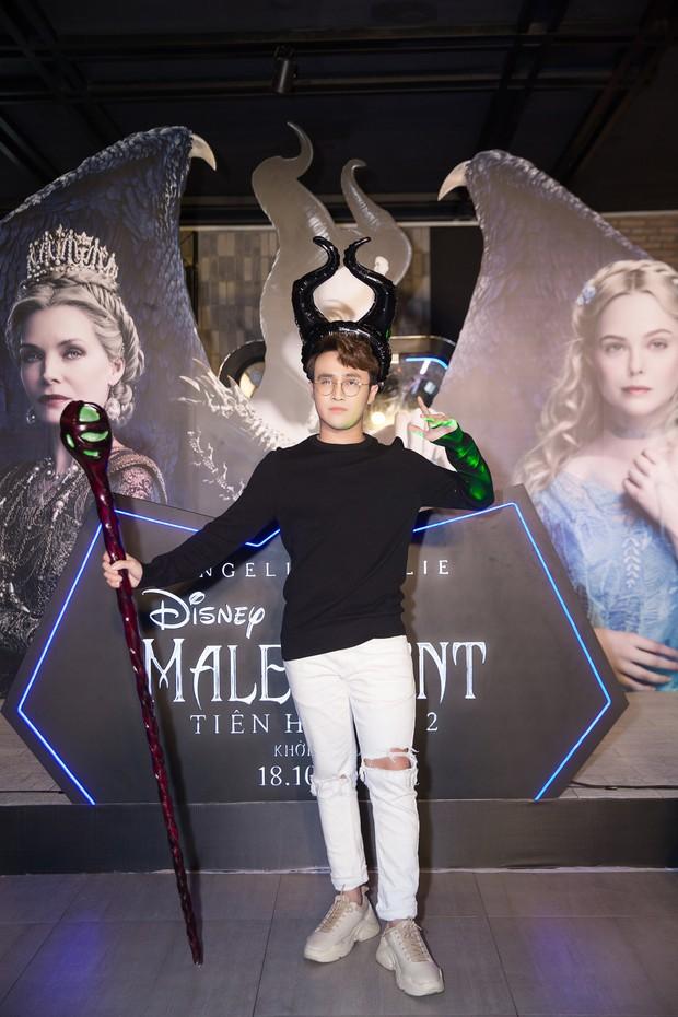 Thuỳ Dương cầm đầu đội quân mọc sừng, trai đẹp Lãnh Thanh cũng phải lép vế ở thảm đỏ Maleficent 2 - Ảnh 11.