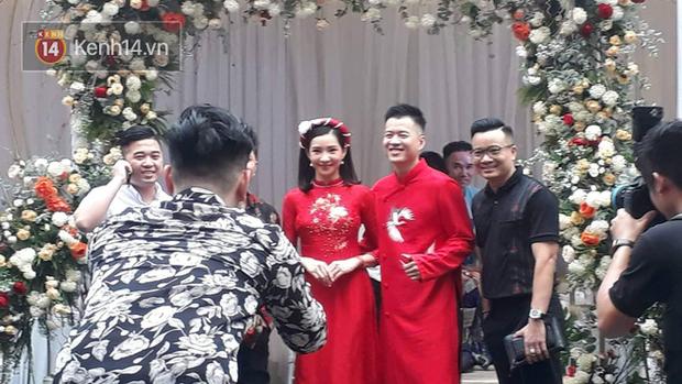 Cận cảnh nhan sắc cô dâu Lưu Đê Ly trong đám hỏi: Không lung linh như trên mạng nhưng tươi roi rói! - Ảnh 3.