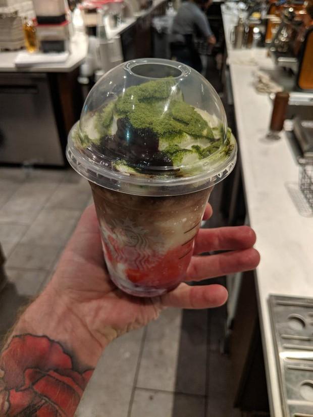 """Phát hiện đồ uống mới trong menu bí mật của Starbucks lấy cảm hứng từ Joker, nhưng cách order lại vô cùng """"hack não"""" - Ảnh 2."""