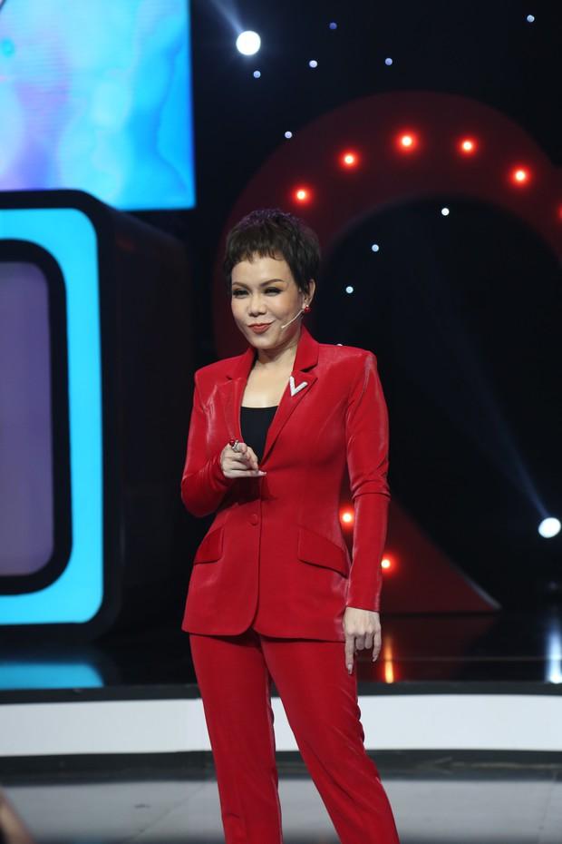 Việt Hương kể chuyện các nghệ sĩ tuổi Thìn như Đông Nhi, Noo Phước Thịnh... rất hay được Tổ đãi - Ảnh 3.