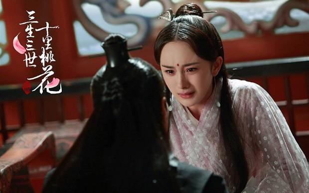 5 màn tự tử trên phim khiến khán giả khóc hết nước mắt: Tiêu Chiến oan ức tức tưởi, Tần Lam nhảy lầu ở Tử Cấm Thành - Ảnh 9.