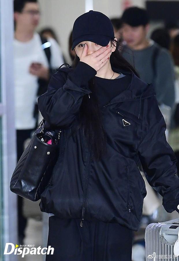 Goo Hara khóc nức nở tại sân bay, vội vàng từ Nhật trở về Hàn tạm biệt Sulli về cõi vĩnh hằng - Ảnh 2.