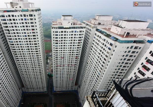 Thau rửa bể ngầm, bể trên cao của tổ hợp chung cư HH Linh Đàm để đón nước sạch - Ảnh 4.