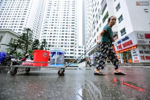 Thau rửa bể ngầm, bể trên cao của tổ hợp chung cư HH Linh Đàm để đón nước sạch - Ảnh 10.