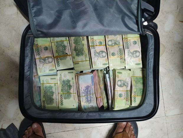 Lái xe trộm hơn 3,5 tỷ đồng của công ty cũ ở Sài Gòn - Ảnh 3.