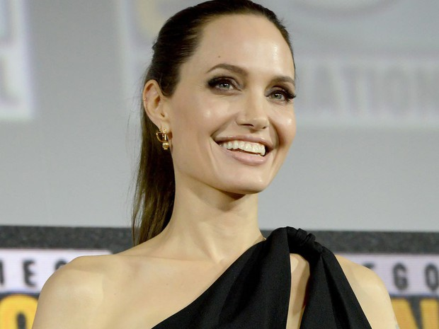 Sự nghiệp diễn xuất của dàn sao Maleficent 2: Từ tỷ phú Hollywood đến crush quốc dân đẹp như tiên giáng trần - Ảnh 5.