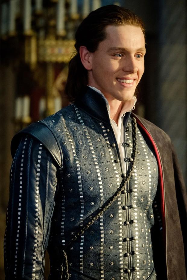 Sự nghiệp diễn xuất của dàn sao Maleficent 2: Từ tỷ phú Hollywood đến crush quốc dân đẹp như tiên giáng trần - Ảnh 17.