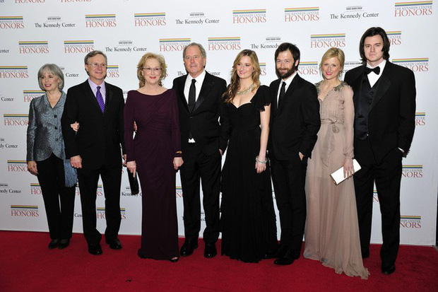 Meryl Streep - Người phụ nữ đức hạnh của Hollywood: Chuyện tình yêu 40 năm đẹp hơn cổ tích với bí quyết vàng - Ảnh 10.