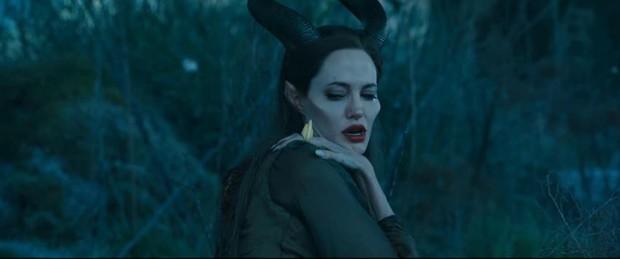 Giả thuyết Maleficent quyền lực cũng là một nạn nhân của căn bệnh trầm cảm? - Ảnh 4.