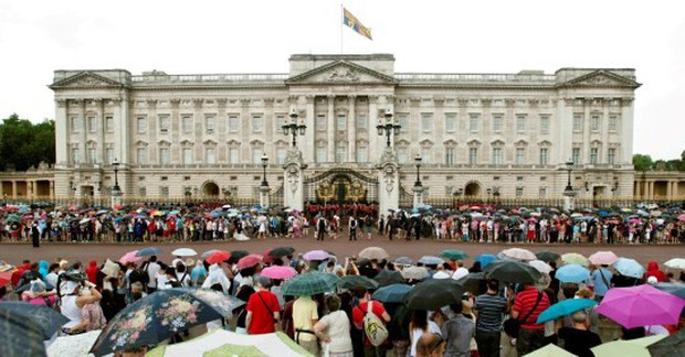 Nữ hoàng Anh vừa đăng tuyển quản gia mới, công việc hào nhoáng nhưng mức lương khiến ai nghe xong cũng phải giật mình - Ảnh 2.