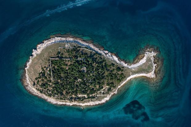 """Hòn đảo hình chú cá bé xinh đang khiến du khách toàn cầu truy tìm, nhưng ai cũng phải """"dè chừng"""" khi biết nơi này ẩn chứa 1 bí mật từ thời cổ đại - Ảnh 8."""