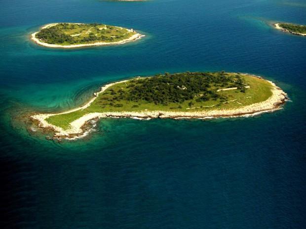 """Hòn đảo hình chú cá bé xinh đang khiến du khách toàn cầu truy tìm, nhưng ai cũng phải """"dè chừng"""" khi biết nơi này ẩn chứa 1 bí mật từ thời cổ đại - Ảnh 7."""