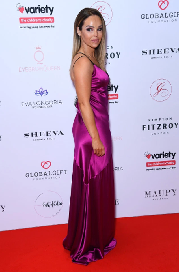 Thảm đỏ hot nhất hôm nay: Sao nữ Hollywood chiếm cả spotlight của minh tinh bà nội trợ kiểu Mỹ Eva Longoria trên thảm đỏ khủng vì lộ gần hết vòng 1 - Ảnh 8.