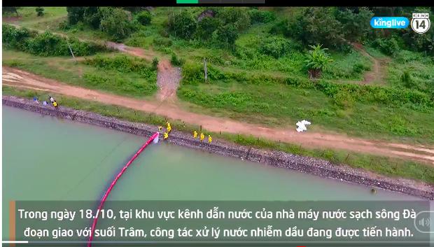 Clip: Gấp rút đặt màng lọc dầu thải, tiến hành nạo vét khu vực suối đầu nguồn của Nhà máy nước sông Đà - Ảnh 4.
